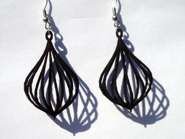 Twisted Teardrop earrings in black